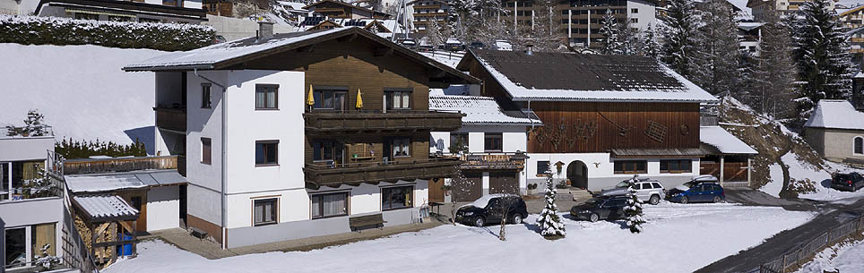 The family-friendly Haus Aurora in Serfaus at the Sonnenplateau (sun plateau) on the outskirts of Serfaus offers completely furnished apartments vacation flats.